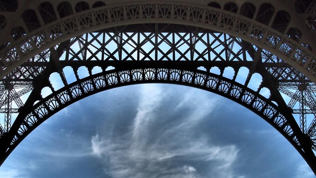 paris-879634_1920